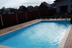 Наружный бассейн 10х5 метров со встроенной фильтрацией PF.I 181 и большой римской лестницей.